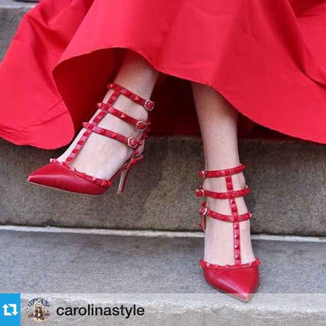 #Repost @carolinastyle with @repostapp.・・・Need a great place to wear your #red #Valentino #rockstuds? We have just the place! #RedPumpRedTie on Dec 6th [read more online today] tix link in bio!